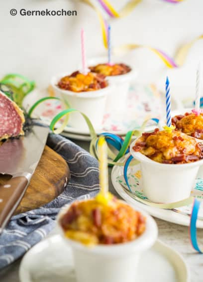 Pizza-Cupcakes mit Salami